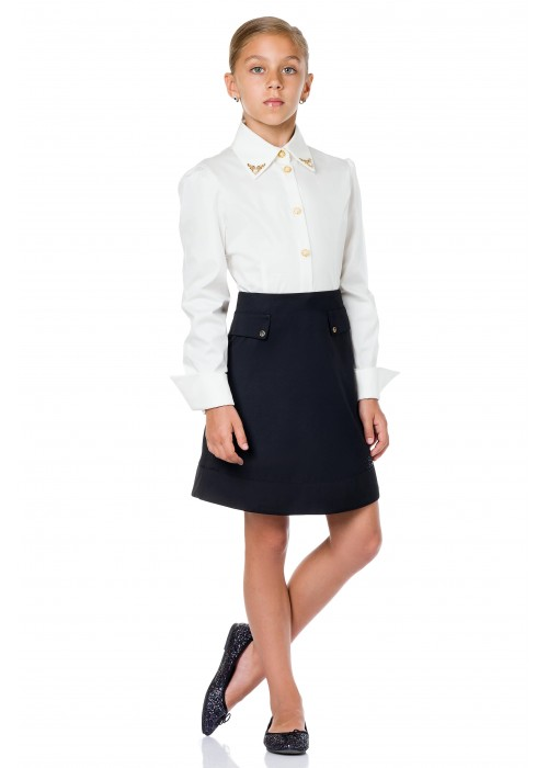 Blouse school with white pearls