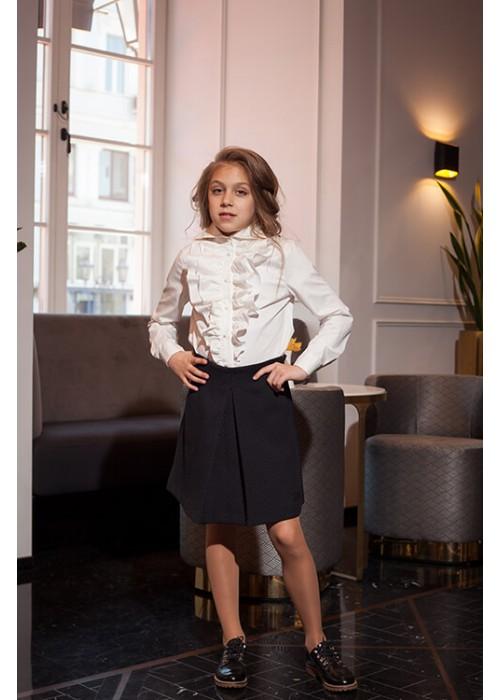 Black pleated school skirt
