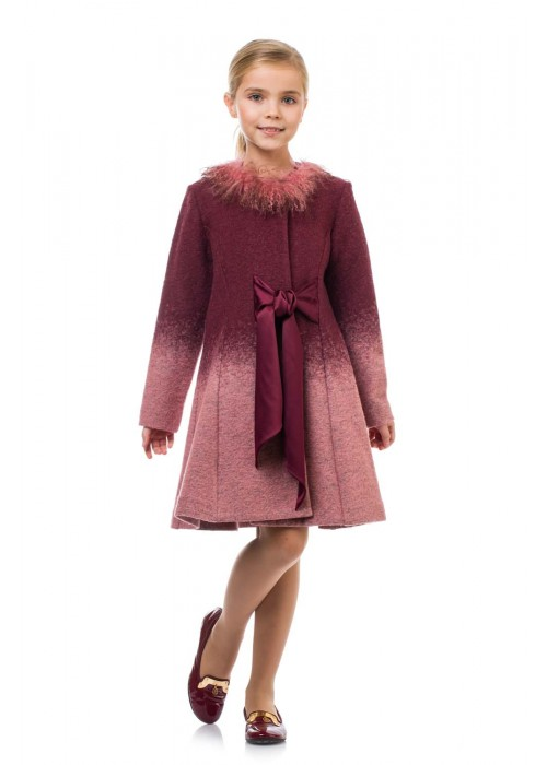 "Coat with a ""llama"" burgundy pink"