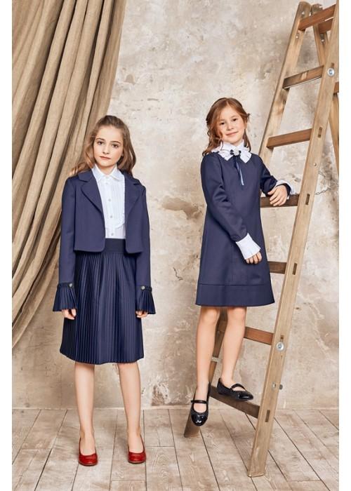 Pleated navy blue skirt